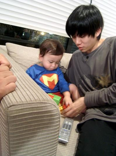 SuJu Hee Chul plays with Mason | K Bites