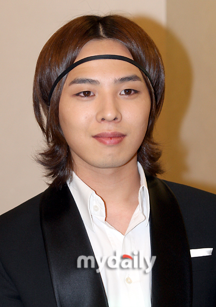 Big Bang Gdragon Spotted With Yet Another New Hairstyle