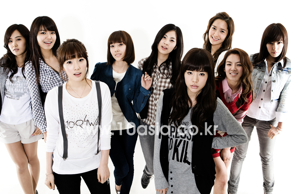 http://sookyeong.files.wordpress.com/2009/08/snsd-493.jpg