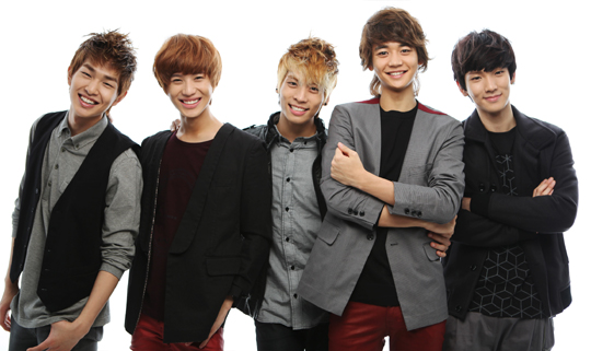 SHINee 'Ring Ding Dong' up #1 on Thai music chart for the