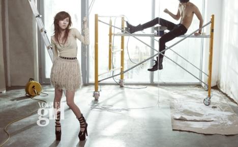2NE1's feminine side in August issue of Vogue Girl 201007191042451002_1